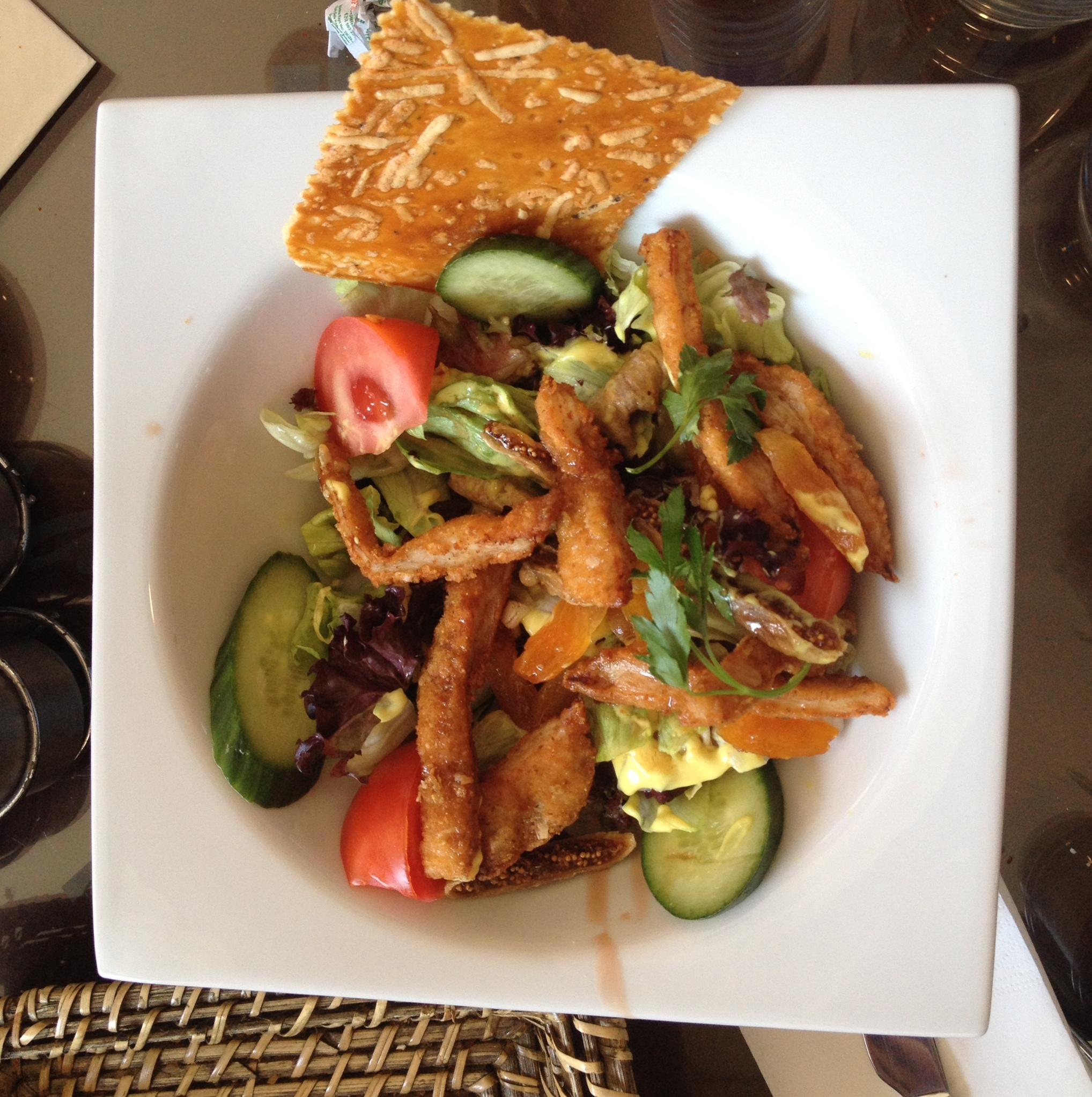 Çıtır Tavuklu Salata Tarifi